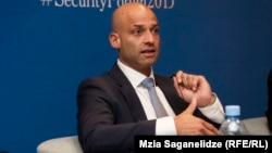 Специальный представитель генерального секретаря НАТО по Южному Кавказу и Центральной Азии Джеймс Аппатурай (архив)