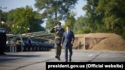 Президент України Володимир Зеленський на військовому летовищі у Василькові Київської області, 23 серпня 2020 року
