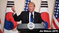Հարավային Կորեա - ԱՄՆ նախագահ Դոնալդ Թրամփը Սեուլում ասուլիսի ժամանակ, 7-ը նոյեմբերի, 2017թ․