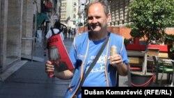 """Gašenje """"LicaUlice"""" bila bi sramota: Milan, ulični kolporter"""
