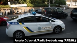 Поліцейська машина на патрулюванні в Києві, ілюстративне фото