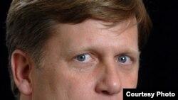 Michael McFaul, profesor la Stanford