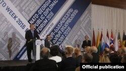 «Неделя НАТО» в Грузии началась с работы Форума народной дипломатии. На мероприятии выступил глава грузинского правительства Георгий Квирикашвили