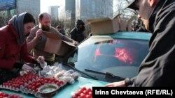 Бездомных поздравили с Пасхой