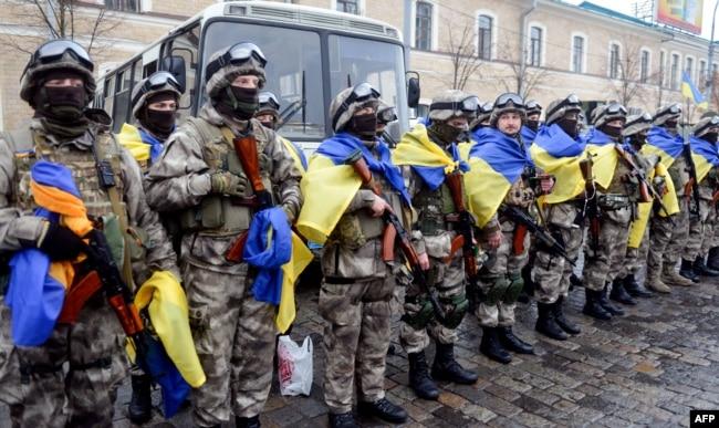 Бійці МВС України під час церемонії відправки на Донбас – до зони збройного протистояння з російськими гібридними силами. Харків, 30 січня 2015 року (ілюстраційне фото)