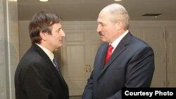 Яраслаў Раманчук і Аляксандар Лукашэнка, архіўнае фота 2010 году