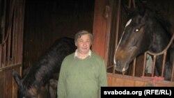 Гаспадар аграсядзібы «Трычаўскі маёнтак» Пётра Сіняпкін