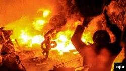 Протистояння між демонстрантами і правоохоронцями в Києві триває, 22 січня 2014 року