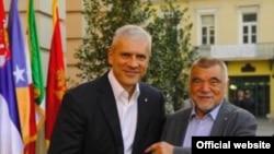 Boris Tadić i Stjepan Mesić u Novom Sadu, 18. juni 2009.