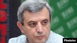 Председатель постоянной комиссии по финансово-кредитным и бюджетным вопросам Национального Собрания Армении Гагик Минансян (архив)