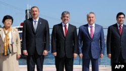 Туркий тилли давлат раҳбарлари сафида кўпдан Ислом Каримов йўқ.