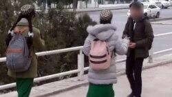 Aşgabadyň bir döwlet dükanynda mekdep uniformasyndaky okuwçylara azyk harytlarynyňsatylmagy gadagan edildi