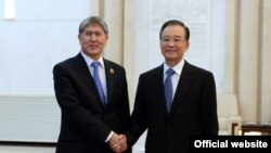 Президент Кыргызстана и премьер Госсовета КНР, Пекин, 5 июня 2012