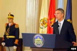 Генеральний секретар НАТО Єнс Столтенберґ. Бухарест, 12 травня 2016 року