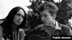 Joan Baez and Bob Dylan during the 1963 March on Washington.