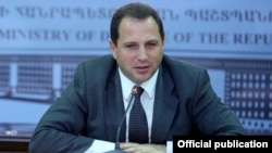 Armenia - First Deputy Defense Minister Davit Tonoyan is pictured at a meeting in Yerevan, 1Oct2015.