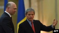 Premierii Pavel Filip și Dacian Cioloș