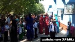 Okuw ýylynyň öňüsyrasynda, Türkmenistan