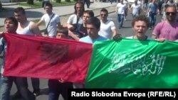 Протест на млади муслимани против апсењата во врска со петкратното убиство кај Смиљковското Езеро. 04 мај 2012