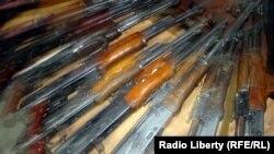 В Южной Осетии по-прежнему действует Закон «Об оружии», принятый в начале 90-х годов прошлого века, согласно которому жители республики имеют право на хранение зарегистрированного оружия