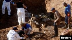 Ekshumacija u Tomašici, 2013. arhivska fotografija