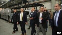 """Функционери во посета на белгиската компанија """"Ван Хол"""" во ТИРЗ Скопје."""
