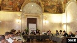 Începutul discuţiilor în format 5+2 la Viena