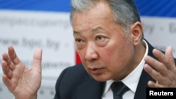 Бывший президент КР Курманбек Бакиев на пресс-конференции. 2010 г.