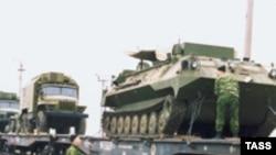 Moldova, Transdnjistrija - Dio ruskih tenkova pri povlačenju u Rusiju, 14 April 2003.