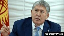 Алмазбек Атамбаев, Қырғызстан президенті
