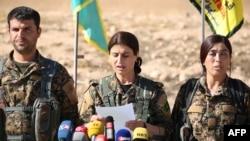Borci SDF u nedjelju kada su u blizini Rake medijima objavili da počinju ofanzivu na ovo uporište IDIL-a, 6. novembra 2016.