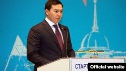 Nursultan Nazarbayevin nəvəsi Nurali Aliyev özünü biznesmen və investor kimi təqdim edir