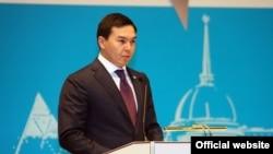 Қазақстан президенті Нұрсұлтан Назарбаевтың жиені Нұрәлі Әлиев. Сурет Астана қаласының ресми сайтынан алынды.