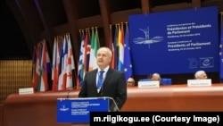 Хенн Пиллуаас выступает перед коллегами в Парламентской ассамблее Совета Европы о нарушении прав человека в России