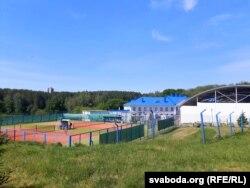 Корты на тэрыторыі фізкультурна-аздараўляльнага комплексу «Космас-корт»