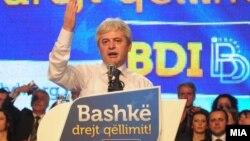 Али Ахмети на предизборен митинг на ДУИ, 2011.