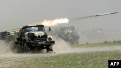 Шанхай ынтымақтастық ұйымы аясында өткен «Бейбіт миссия – 2012» бірлескен әскери жаттығуы. Тәжікстан, 10 маусым 2012 жыл.