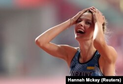 Ярослава Магучіх у свої вісімнадцять років стає срібною призеркою дорослого чемпіонату світу
