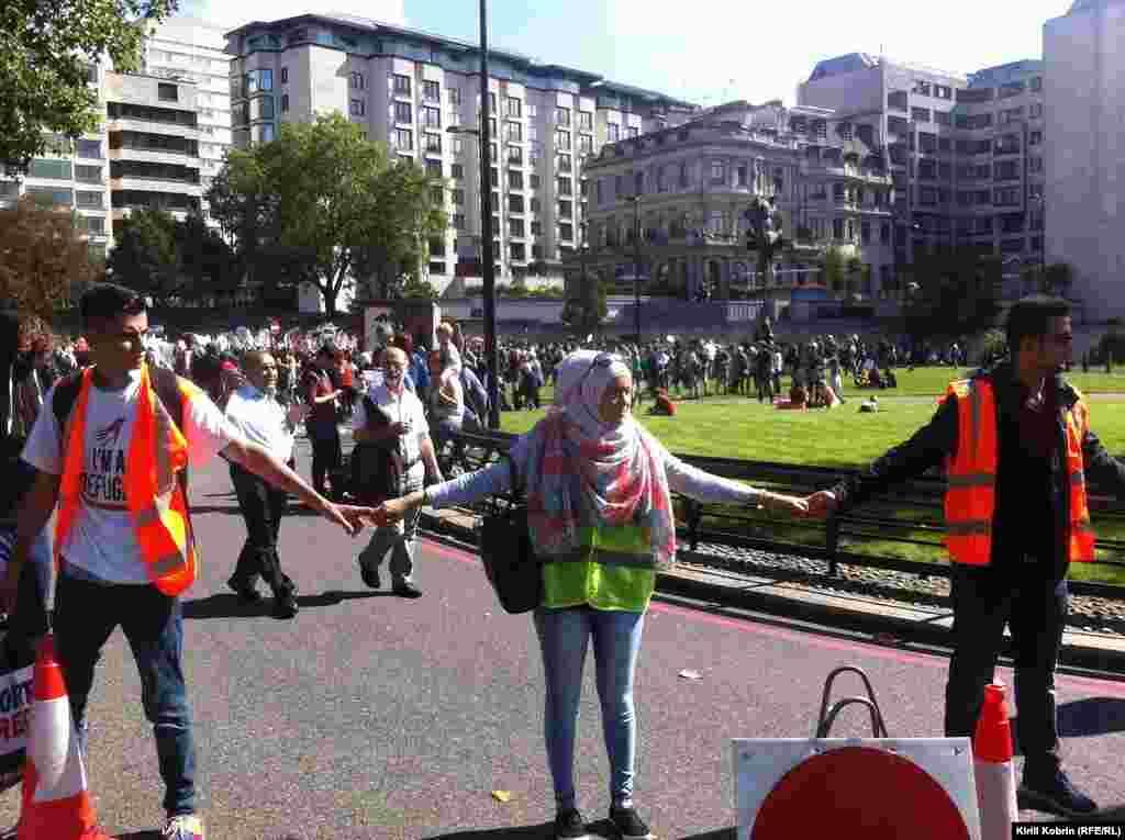 Участники демонстрации.