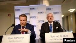 Ilkka Kanerva və Spencer Oliver