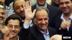 کاظم وزیری هامانه، روز شنبه در مراسم تودیع خود شرکت و نسبت به اینده صنعت نفت ایران هشدار داد.
