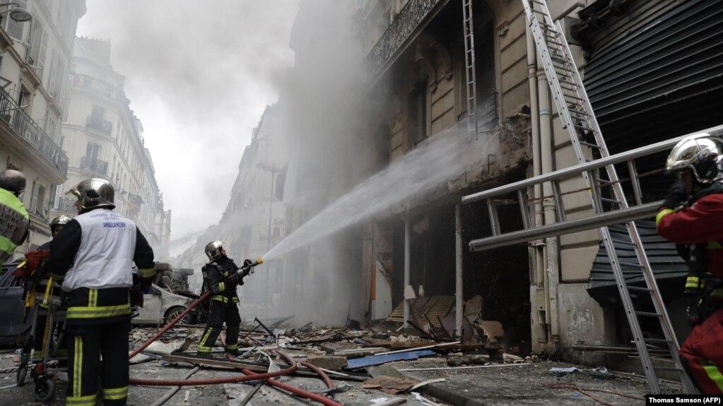 В центре Парижа произошел сильный взрыв, есть пострадавшие