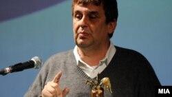 Писателот Александар Прокопиев ја доби книжевната награда Балканика за 2012 година.