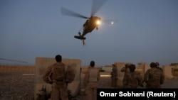 Американские военные на вертолетных учениях в афганской провинции Гильменд. Иллюстративное фото.