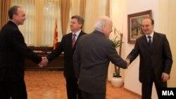 Средба на претседателот Ѓорге Иванов со медијаторот Метју Нимиц, Антонио Милошоски и Зоран Јолевски,2010, Скопје