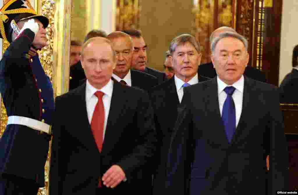 На саммите Организации Договора о коллективной безопасности (ОДКБ). Москва, 16 мая 2012 года.