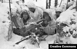 """Финский пулеметный расчет во время """"зимней войны"""" с СССР (1939-40)"""