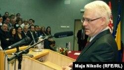 Ivo Josipović tokom posjete Tuzli