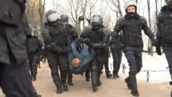 Police Disperse Demonstrators Protesting Constitutional Reform In St. Petersburg