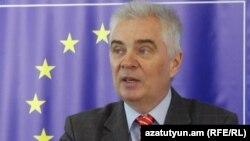 Глава делегации ЕС в Армении посол Петр Свитальски (архив)